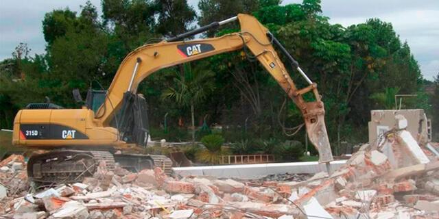 Demolição e Remoção – Terraplanagem